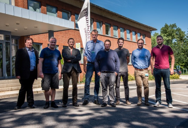 Gruppenfoto Kick-Off-Meeting zum Projekt Digital-Fire, Quelle: Fraunhofer UMSICHT